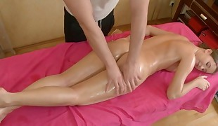 Beauty gets a huge vibrator on her clits in advance of ultra-kinky drilling