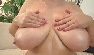 busty Cougar Sindy Huga rough pummeled