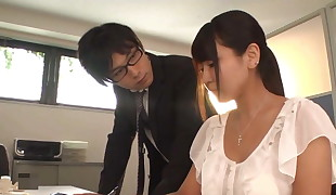 Working Shaven Big Breasts Girl Yu Shinohara 2
